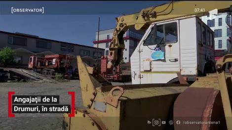 Angajații de la Drumuri, protest în stradă pentru că nu şi-au primit salariile din ultimele luni
