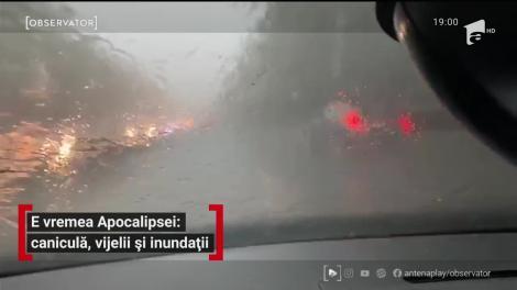 Imagini apocaliptice şi vreme de cod roşu. Marea fierbe pe furtună