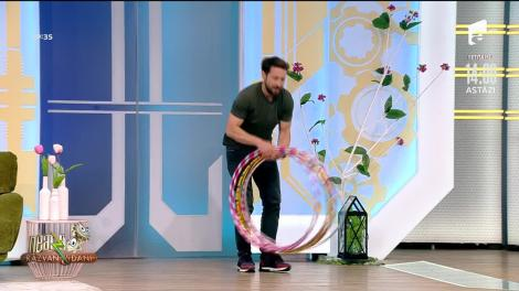 Răzvan și Dani, super provocare pentru Happy Dance. Cercul Hula Hoop le-a dat mari bătă de cap