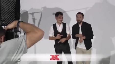 Noul sezon X Factor, primele imagini din culise! Cum au fost surprinși Răzvan și Dani, prezentatorii show-ului de la Antena 1