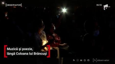 Muzică și poezie, lângă Coloana Infinitului, din Târgu Jiu