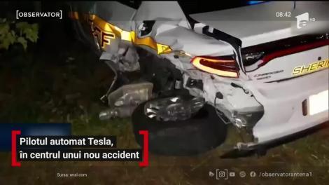 Pilotul automat al Tesla, accident cu două mașini ale poliţiei