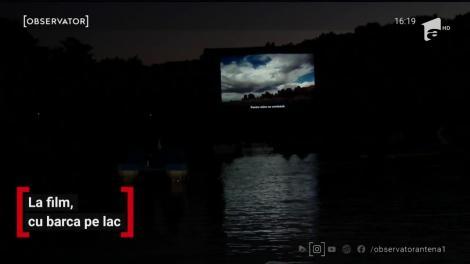 Spectatorii Festivalului de Film Astra au avut parte de o experienţă inedită: au urmărit filmele din barcă