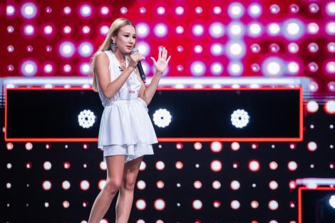 """Momentul Biancăi Ionescu a fost oprit de Ștefan Bănică Jr. Cum a reușit totuși să impresioneze pe scena """"X Factor"""""""