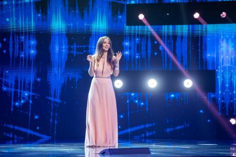 """Cine este Jeni Ion, tânăra fără auz care i-a făcut pe jurați să lăcrimeze. Momentul inedit de pe scena """"X Factor"""""""