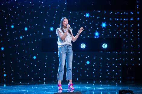"""Ioana Ardelean, concurenta """"X Factor"""" aplaudată la scenă deschisă. Interpretarea care i-a adus 4 DA"""