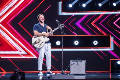 """Adrian Petrache, concurentul care a făcut show la """"X Factor"""". Ce a zis înainte să urce pe scenă"""