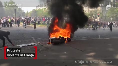 """Noi proteste violente ale mişcării """"Vestele Galbene"""" în Paris"""