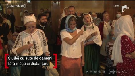 Slujbă cu sute de oameni, fără măști și distanțare, la Catedrala Mitropolitană din Timişoara