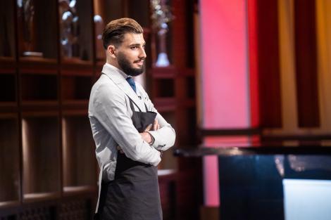 """Regizor de filme horror la Chefi la cuțite! Vloggerul Adrian Iancu: """"Am venit să văd dacă stiu să gătesc"""""""