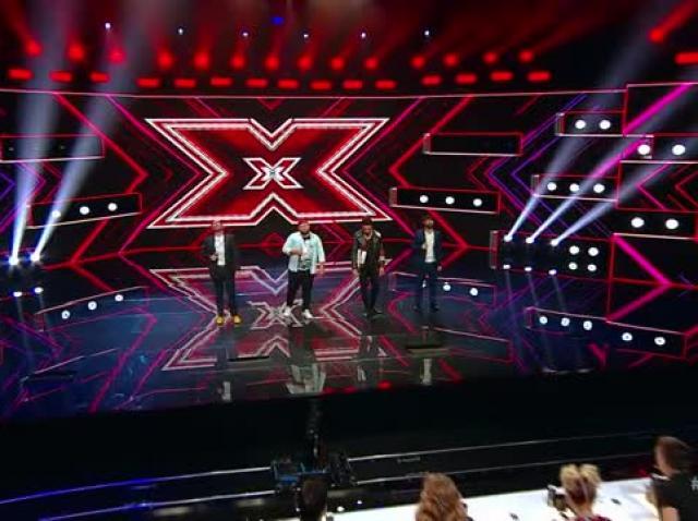 Grupul Super 4, moment incredibil în fața juriului X Factor. Interpretarea napoletanilor a fost aplaudată la scenă deschisă