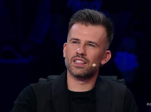 """Alex Mica, interpretul hitului """"Dalinda"""", a venit la X Factor. Momentul lui a primit aplauze la scenă deschisă"""