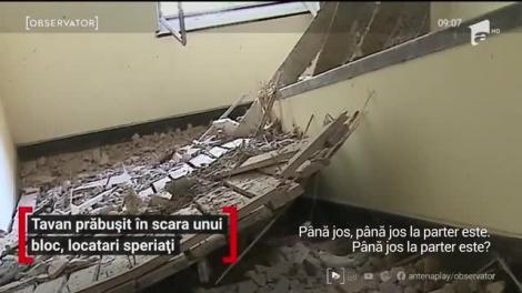 Tavan prăbușit în scara unui bloc din Târgu Mureș, locatari speriați