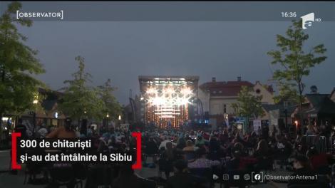 Maraton muzical la Sibiu. 300 de chitarişti şi-au dat întâlnire