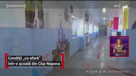 """Condiții """"ca afară"""" într-o școală din Cluj-Napoca"""