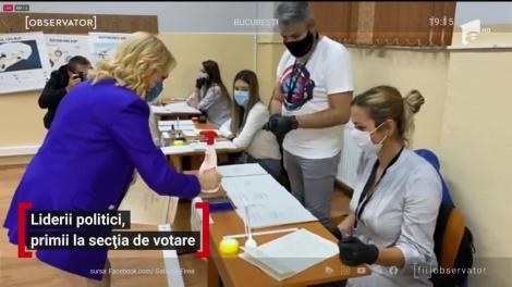 Liderii politici, primii la secția de votare