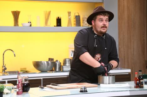Angelo Ardelean se consideră un super bucătar: Mă bazez pe recenziile clienților de la hotelul la care lucrez, în Italia