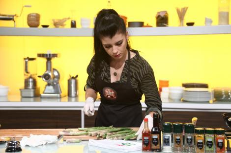 Iulia Spirache vrea să învețe cât mai mult despre bucătărie de la cei trei chefi: Sper să ajung în echipe!