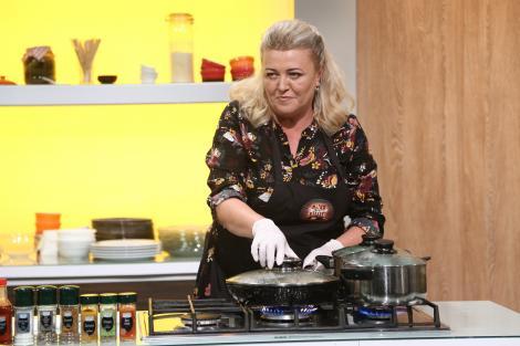 După multe ore petrecute la birou, bucătăria este cea mai bună relaxare pentru Mirela Calotă: Mă face să trăiesc!