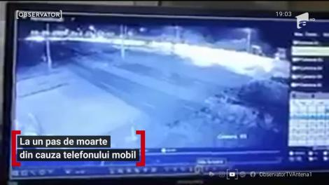 La un pas de moarte din cauza telefonului mobil