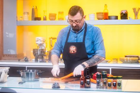 Iustin Truța, chef bucătar, vrea să câștige cuțitul de aur: Nu am nicio emoție, sunt mulțumit de preparat!