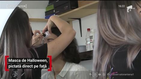 Masca de Halloween, pictată direct pe față