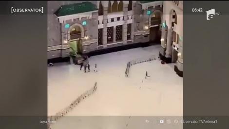 Porţile Marii Moschei de la Mecca, dărâmate de un șofer