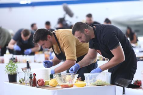 Salată de frcute, prima probă eliminatoare de la Chefi la cuțite