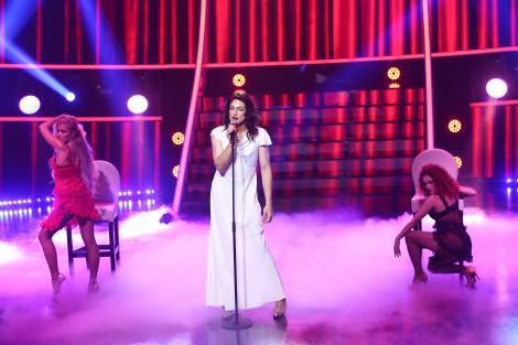 """Toto Dumitrescu se transformă în Lana del Rey - """"Burning Desire"""", la Te cunosc de undeva!"""