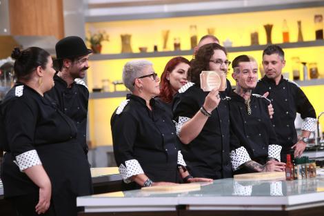 Schimb de concurenți între echipe! Chef Florin Dumitrescu lovește cu cea mai puternică amuletă. Chef Sorin Bontea: Bâlbâi de nervi!