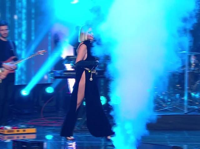 """Alexandra Stan, Liviu Teodorescu și Cornel Ilie, moment de excepție la Marea Unire ZU 2020. Artiștii au cântat piesa """"Oameni"""""""