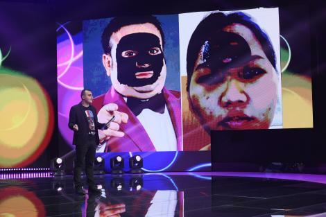 """Dan Cîrstea prezintă un altfel de teleshopping. Ce este masca facială anti-rid """"Adrian Minune"""""""