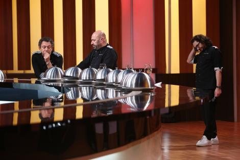 """Emoții la banda Chefi la cuțite! Chef Dumitresu: """"În finală e normal să fie Cristi, Ionuț și Roxana"""""""
