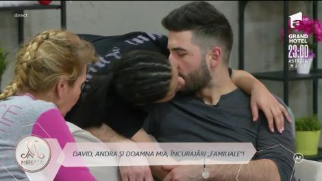 David, în așteptarea unui moment propice ca să-și ceară iubita în căsătorie