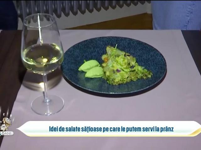 Idei de salate sățioase pe care le putem servi la prânz