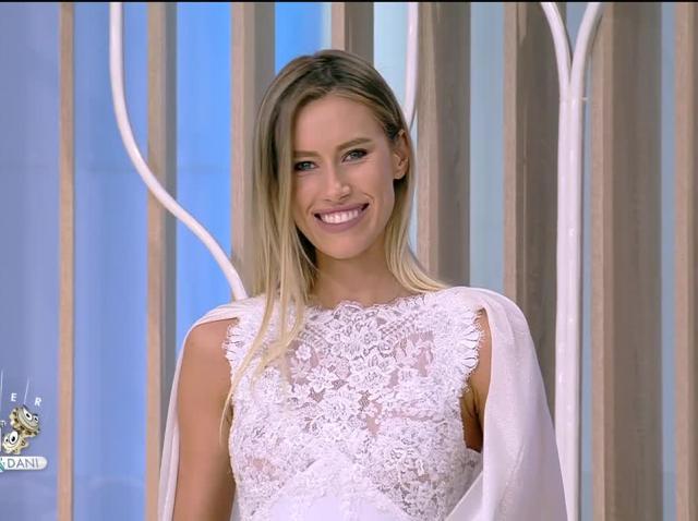 Stil de Succes by Ellida Toma. Colecția vestimentară a designerului Arthur Dinu: Azi vorbim de rochia de mireasă!