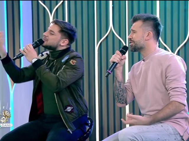 Florin Ristei și Adrian Petrache cântă piesa Shape of My Heart, la Neatza cu Răzvan și Dani
