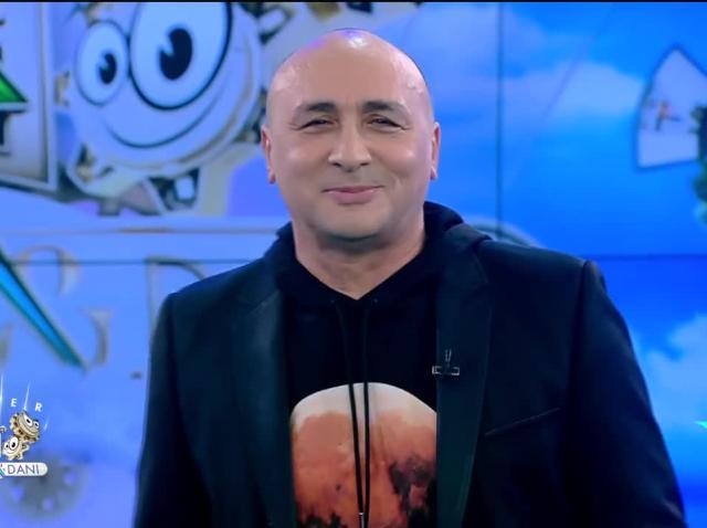 Marcel Pavel cântă piesa Treambura Pamporea, la Neatza cu Răzvan și Dani
