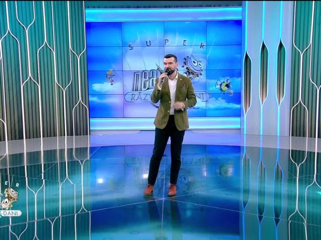 Vlad Miriță cântă piesa That's amore, la Neatza cu Răzvan și Dani
