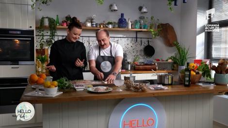Romică Ţociu o ajută pe Roxana Blenche în bucătăria Hello Chef