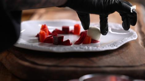 Hello Chef: Roxana Blenche şi Cătălin Rizea prepară ingredientele pentru un desert delicios