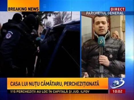 Vezi aici imagini cu reporterii Antena 3 agresați de membrii familiei lui Sile Cămătaru