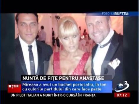 Nuntă de fiţe pentru Roberta Anastase