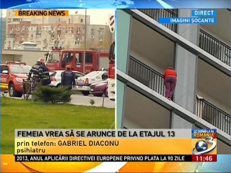 Martor din blocul in care o femeie ameninta ca se arunca de la etaj, la Antena 3