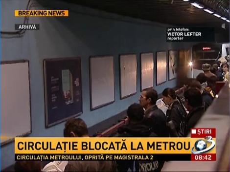 Circulaţie la metrou, BLOCATĂ pe ruta Berceni-Pipera. O persoană s-a aruncat în faţa metroului