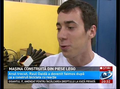 Un roman a construit o masina din piese lego