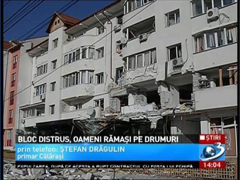 O comisie formată din specialişti va verifica structura de rezistenţă a blocului în care s-a produs explozia