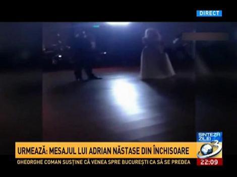 Sinteza Zilei: Imagini de la ziua Elenei Udrea cum cântă piesa Delirul