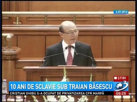 10 ani de sclavie sub Traian Băsescu. Românii au făcut în câteva săptămâni ceea ce nu a reuşit să facă Parlamentul în 4 ani: au dat jos Guvernul Emil Boc