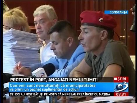 Protest în port, angajaţi nemulţumiţi